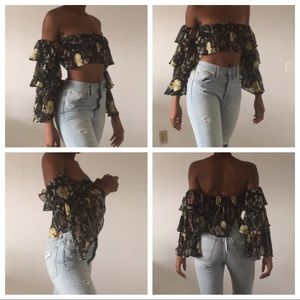 Forever 21 crop top floral ruffle blouse